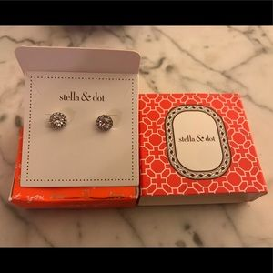 Stella and dot rhinestone studs